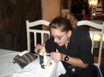 Cirurgia nos noivinhos, assessora tbm é artista ...rs deu tudo certo, ficaram otimos (Loren Akemi)