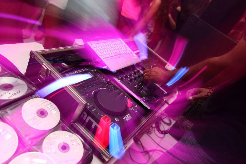 SOM DJ ILUMINAÇÃO - - ADVENTUR