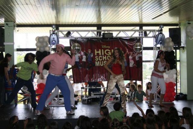 Organização Shows Musicais Adolescentes
