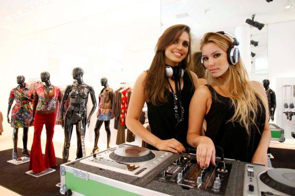 CONTRATE NOSSAS DJS - Adventure EVENTOS