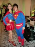 SUPER MULHER E SUPER MAN