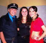POLICIAL MASCULINO,POLICIAL FEMININO E INDIANA