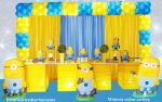Mesa temática minions (cubos cortina)