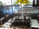 Mesa em ferro e vidro - cadeiras ferrugem com cristal