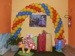 festa galinha pintadinha,entrada do salão caixa de presentes