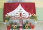 mesa decorada de  bolo de csamento em vermelho.Podemos variar a cor conforme seu gosto.Doc.3-CK