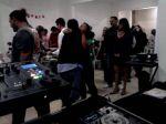 Aniversário - Espaço Vip - Mauá SP - Kit Básico ( dj, Som, Luz + telão e retrospectiva ) ''Dj,som,Luz,telão em Mauá SP''