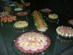 Frios, Pão Árabe, biscoitos, torradas, muosses e pastas.