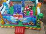 Kiddie Play Festa - multi atividades: mini escalada, tobogã, tubo vazado, joão bobo e pula pula - Tamanho 4,20m (C) x 4,20m (L) x 2,50m (A) - Indicado para crianças até 10 anos