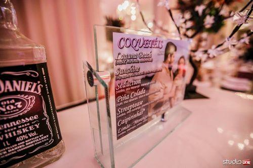 Cardápio personalizado com foto e decoração de bar super moderna!