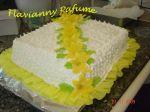 bolo com massa branca recheio de creme ingles e abacaxi