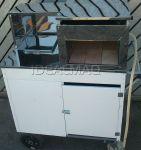 Cod. CMPCT - R$1.780,00 à vista. (1 forno em inox, 1 caixa térmica p/ bebidas, armário interno e vitrine). 0,90m x 0,55m