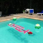 Decoração de piscina simples