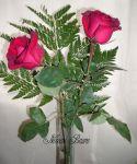 Arranjo de mesa Solitário com 2 rosas