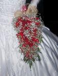 Buquê de rosas vermelhas cacho de uva (cascata)