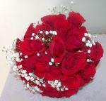 Buquê de rosas vermelha com mosquitinho