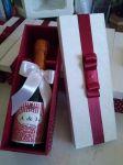 Lembrancinha para padrinhos champanhe em caixinha de mdf personalizada.