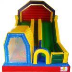 Acesso seguro na parte central do brinquedo, impede que crianças que escorregam tenha contato com as que estão subindo.