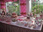Kit Provençal de 15 itens: R$ 120,00 2 trios de bandeijas, 4 peças decorativas, 4 ursinhas marron com rosa, 1 suporte para cup cakes.