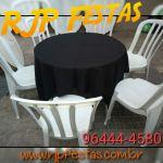 Jogo de Mesa com tampo redondo de 90cm de diâmetro  06 cadeiras. R$ 14,00   Obs.: Não acompanha a toalha. Frete grátis para alguns bairros da Zona Norte