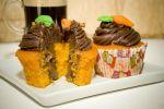 Cup Cake: Cenoura com ganache em embalagem individual. R$ 6,00