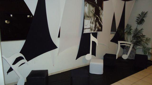 decoracao tudo branco:Decoração Preto com Branco do Pedro – Tudo é Festa!!!