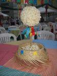 decoração de centro de mesa junina.