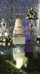 mesa decorada bolo casamento.