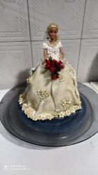 bolo boneca com saia de noiva