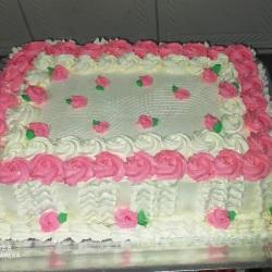 bolo quadrado com rosetas para casamento.