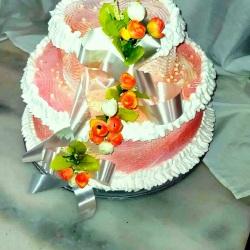 bolo de casamento com chantilly decorado