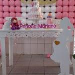 Princesa com mesa provençal sem os cubos Pode trocar por cortinado invés de tela de balões  Fazemos para menino