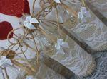 Centro de mesa garrafa decorada. Com as plaquinhas de tags e corações.  10,00 a unid.